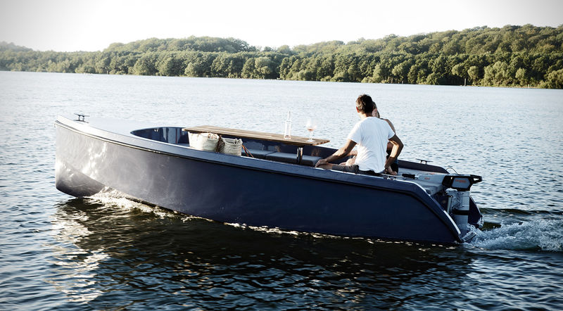 Luxe Picnic Yachts