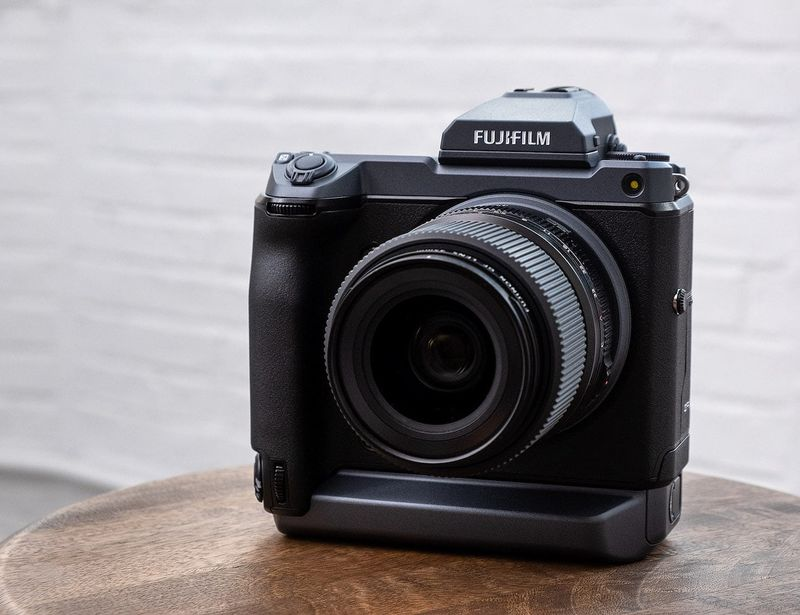 Ultra-Accurate Mirrorless Cameras