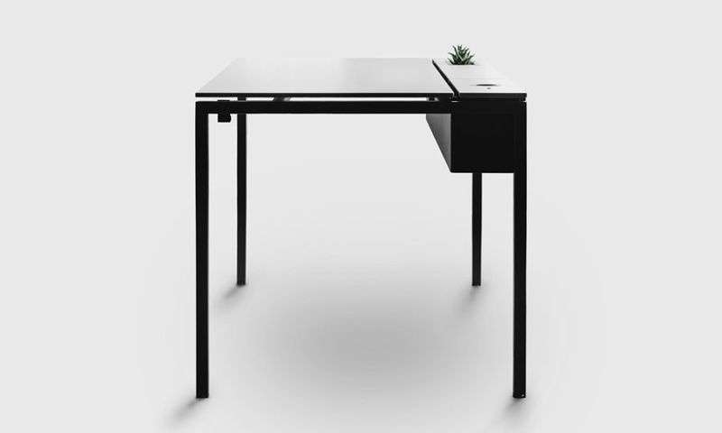 Minimalist Succulent-Supporting Desks