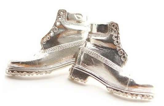 Cufflink Kicks