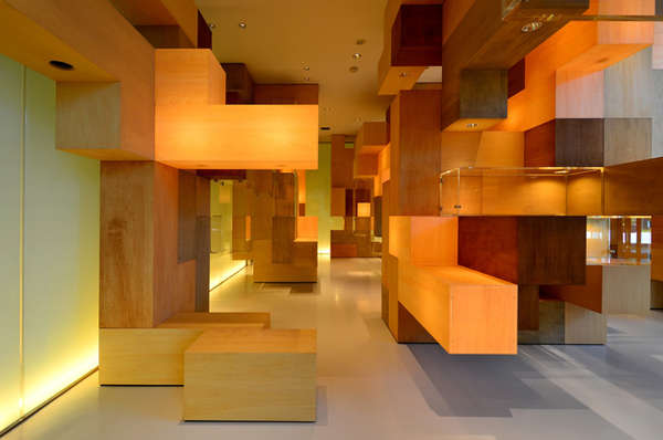 Cubic labyrinth interiors gallery design for Interior design gallery