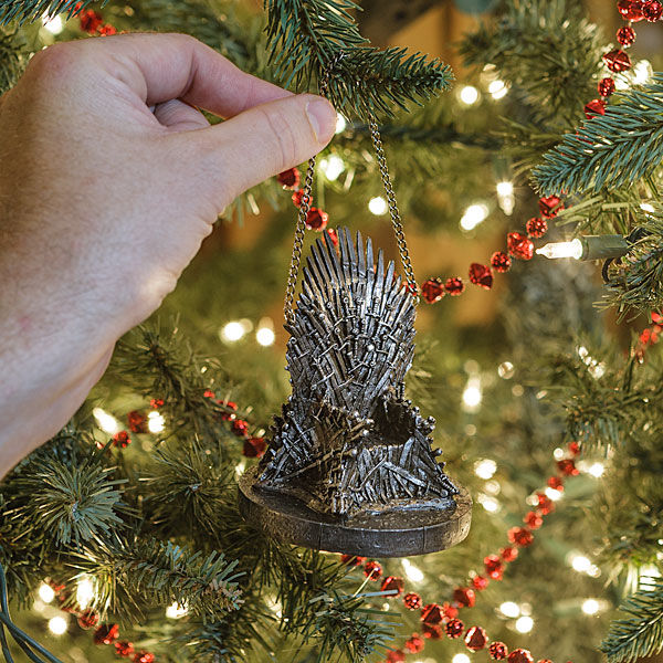 Throne-Themed Tree Ornaments : Game Of Thrones Decor