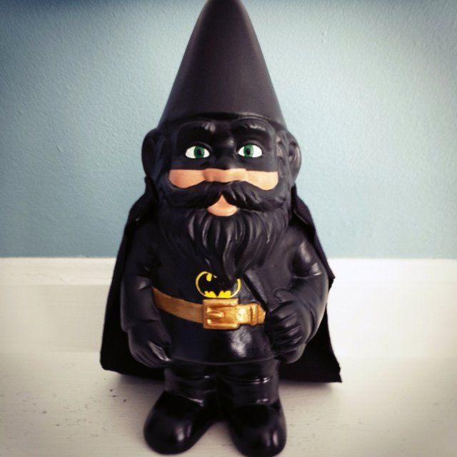 Caped Crusader Gnomes