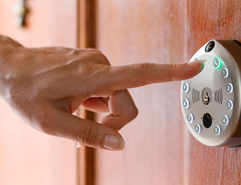Discreet Connected Entryway Locks