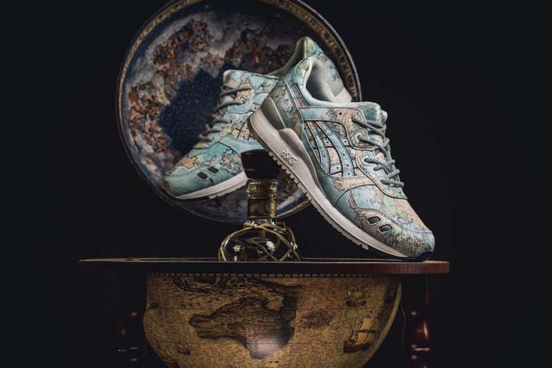 World Map-Themed Leather Shoes