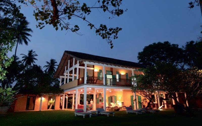 Tropical Modernist Hotels