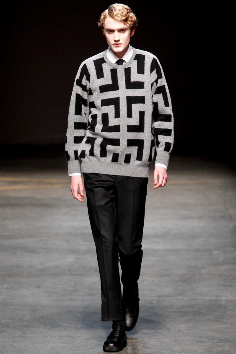 Roomy Geometric Menswear