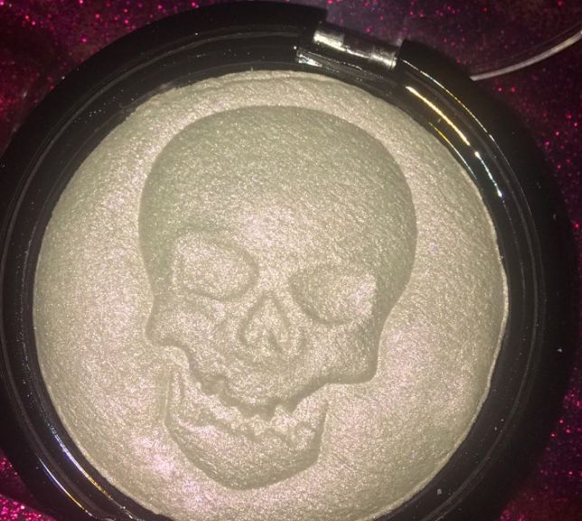 Skull-Imprinted Highlighters