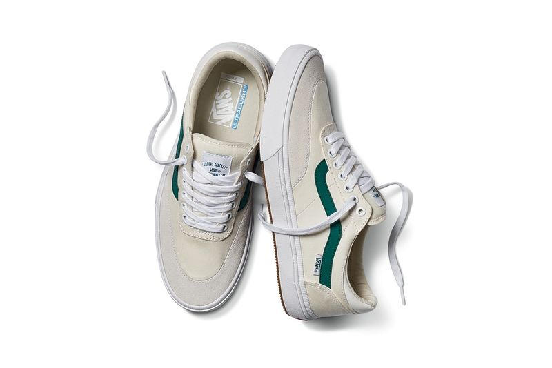 Green-Accented Skate Shoes