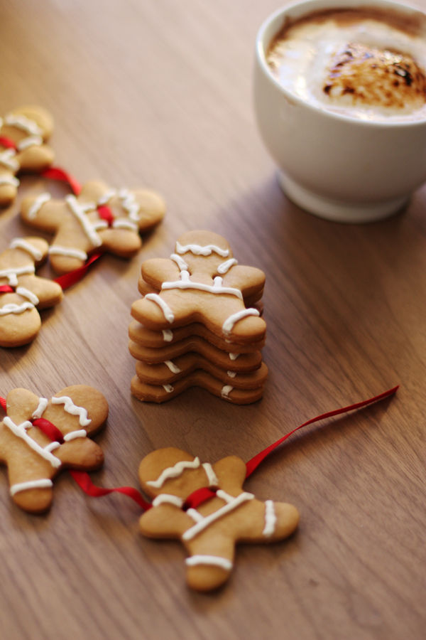DIY Gingerbread Decor