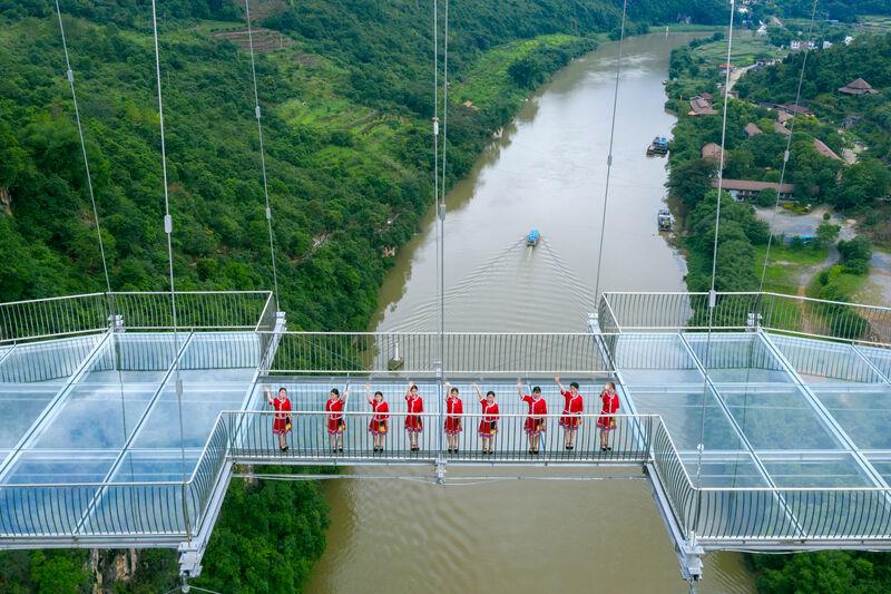Long Glass-Bottomed Bridges