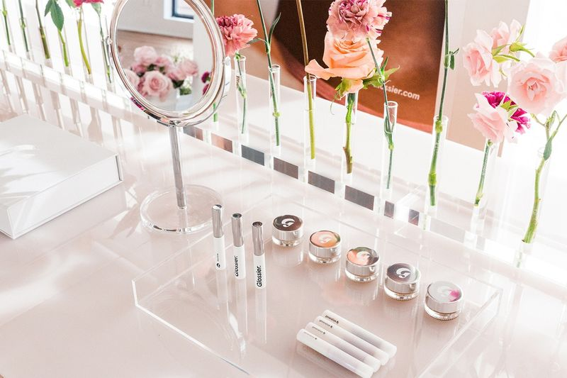 Vibrant Beauty Brand Pop-Ups