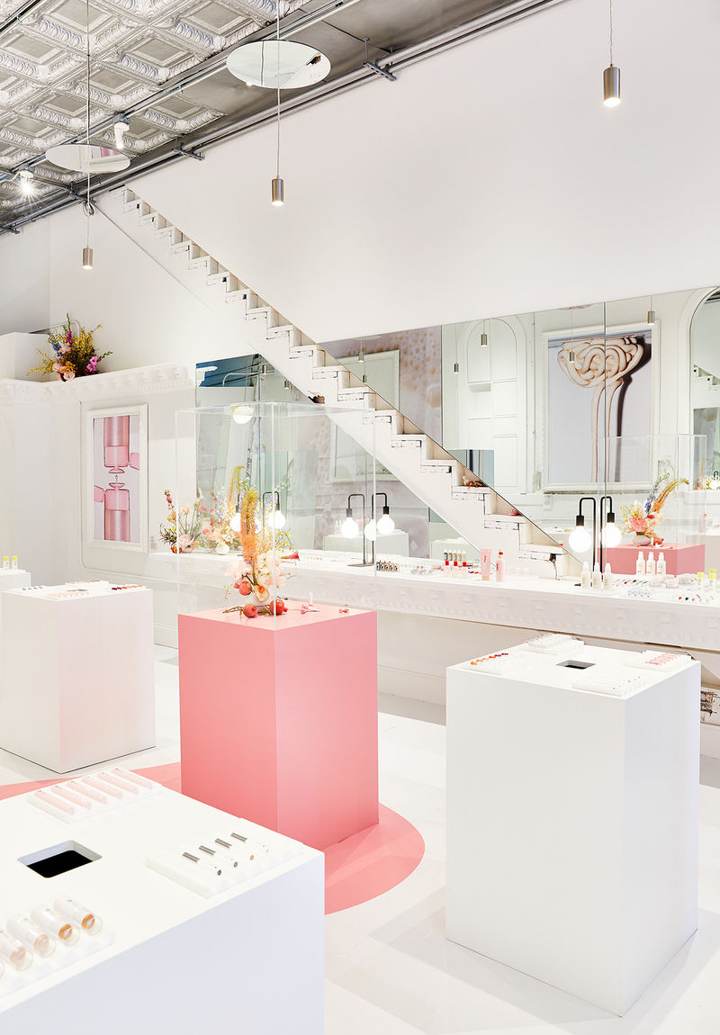 Dreamy Pink Clad Cosmetic Pop Ups Glossier S Chicago Pop Up