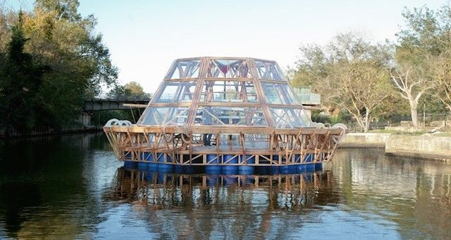 Floating Green House Architecture
