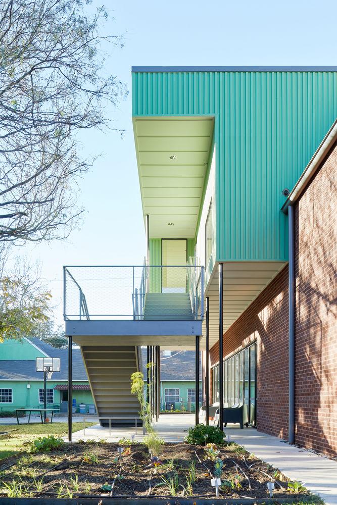 Eclectic Quadrangular Schools