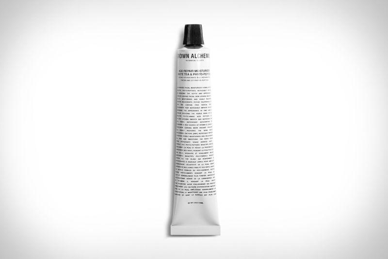 Free Radical-Shielding Moisturizers - The Grown Alchemist Age-Repair Moisturizer Brightens the Skin (TrendHunter.com)
