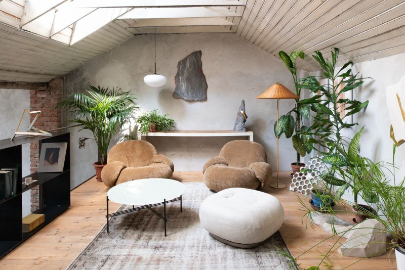 Chunky Cloud-Like Lounge Furniture