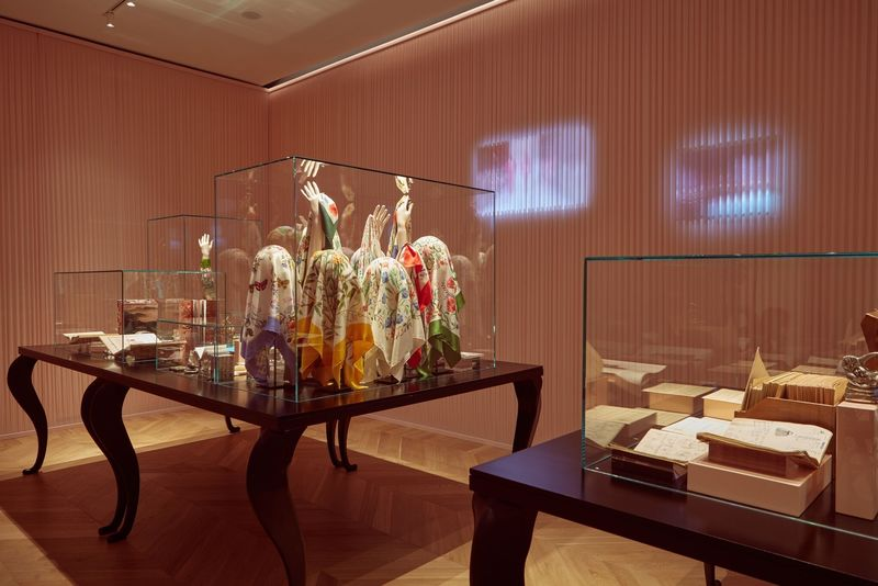 Interactive Fashion House Museums