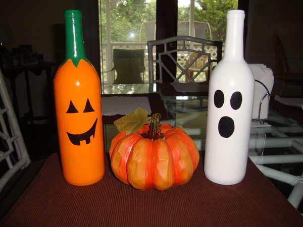 Diy wine bottle pumpkins halloween decorations for How to make homemade halloween decorations for inside