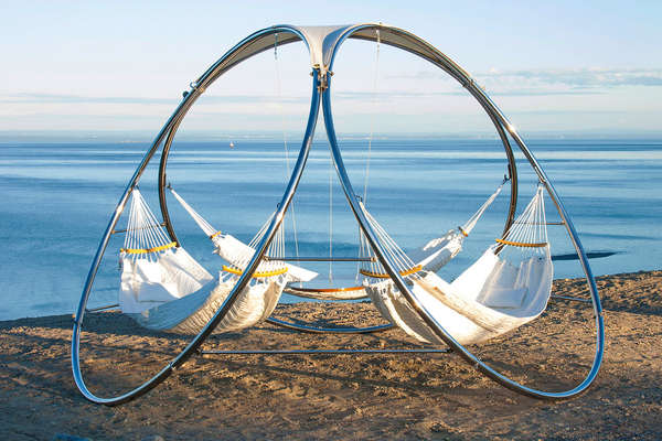 triple relaxation hammocks triple relaxation hammocks   hammock design  rh   trendhunter