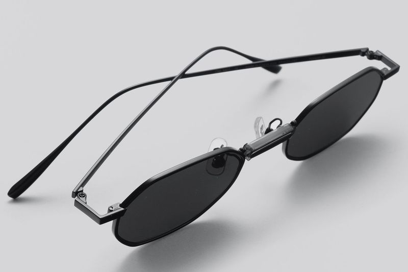 Stylistic Tech-Informed Smart Glasses