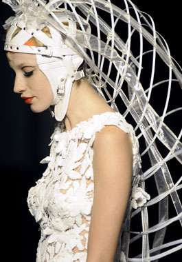Cage dresses jean paul gaultier a w 2008 9 for Haute couture definition