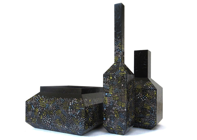 Scratchable Black Vases