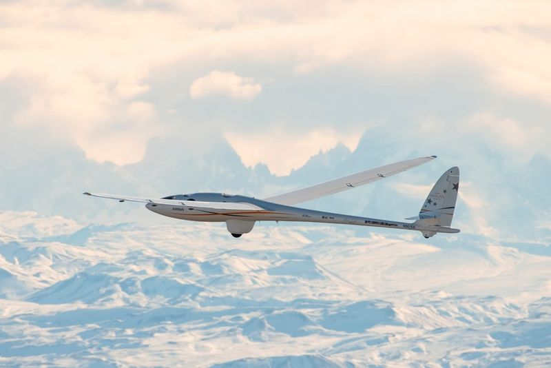 Engine-Eschewing Gliders