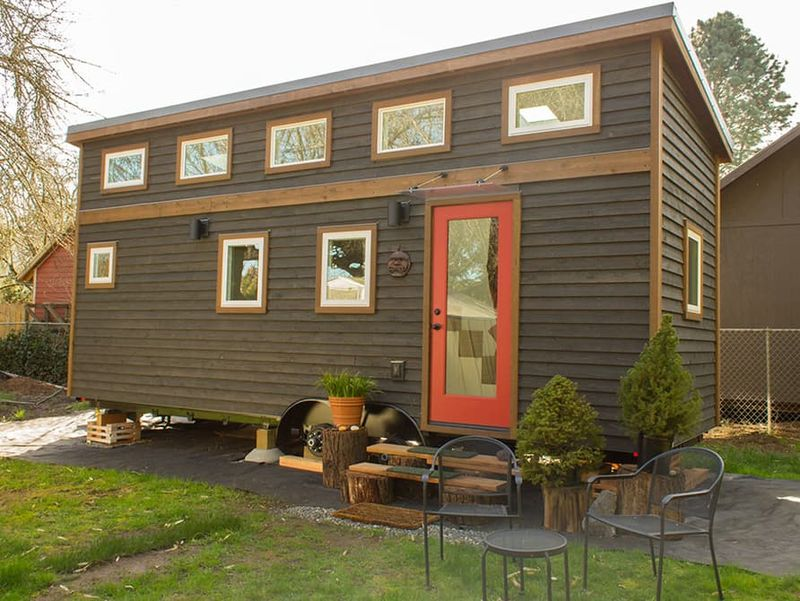 Light-Bathed Tiny Homes