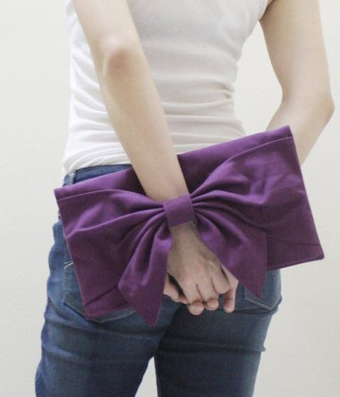 Adorable Bow-Shaped Clutches