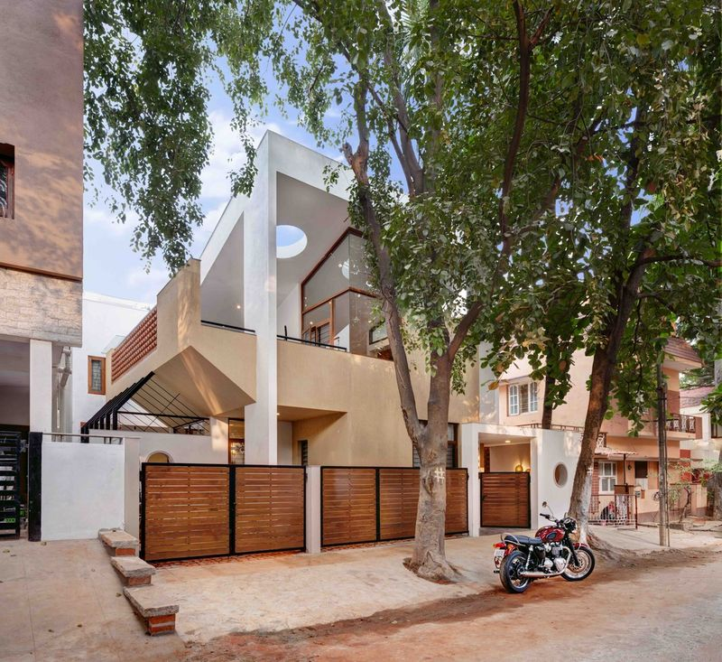 Playful Cubist Houses