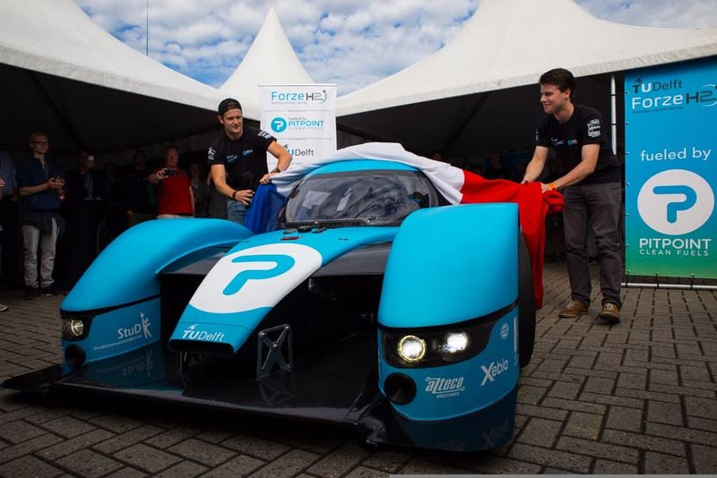 Hydrogen-Powered Supercars
