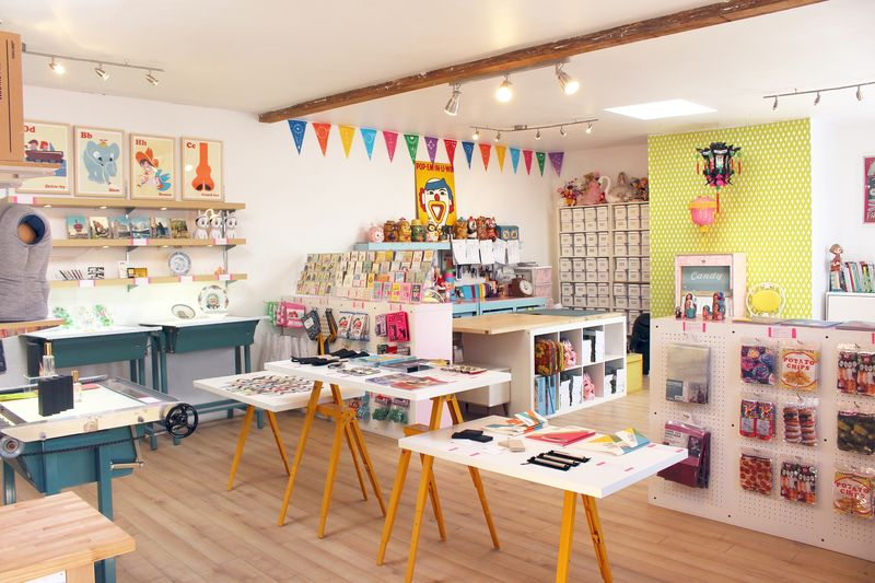 Hybrid Gift Shop Workspaces