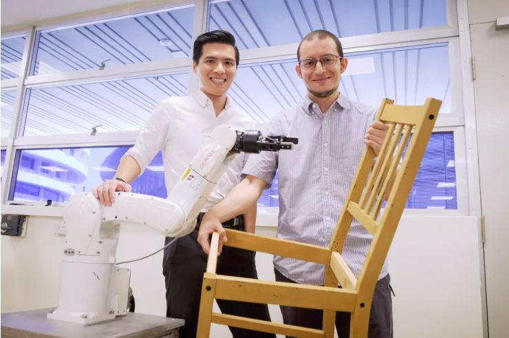 Furniture-Building Robots