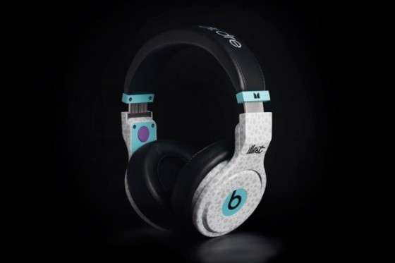 Spectacularly Speckled Headphones