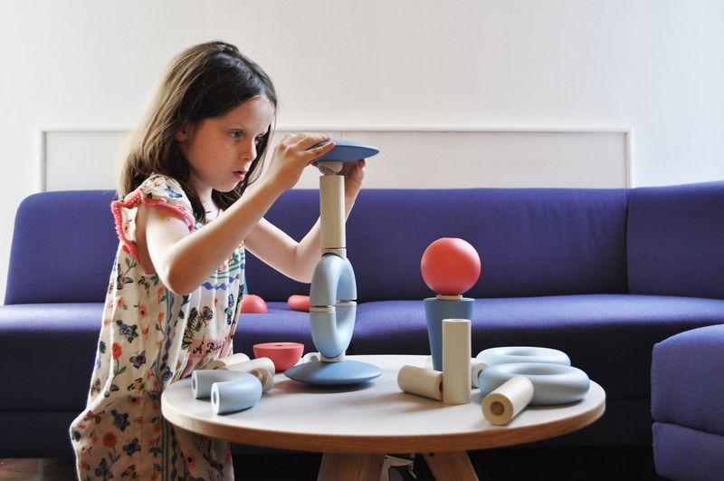 Creativity-Fostering Design Toys