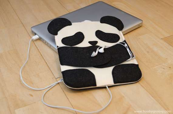 Huggable Tablet Protectors : iPad Panda Case