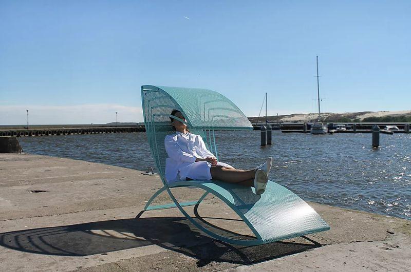Sculptural Sun-Shading Seats