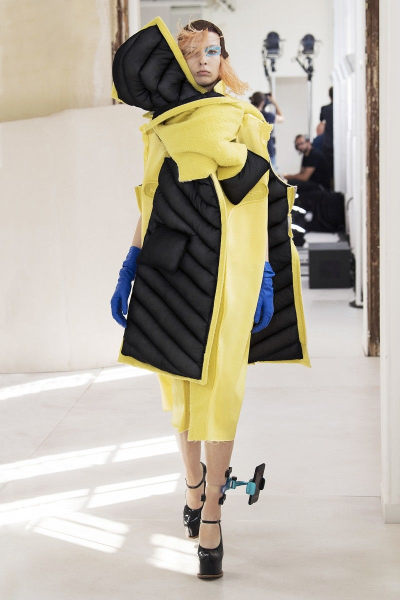iPhone-Accommodating Couture Fashion Shows