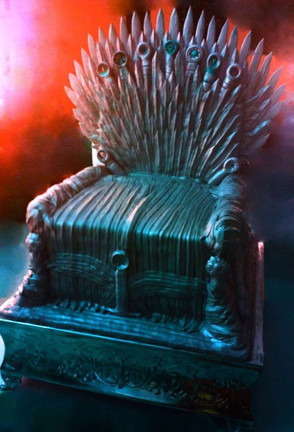 Fantasy Throne Cakes