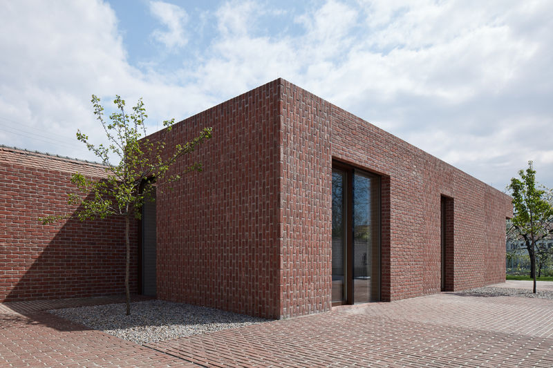 Homogeneous Brick Homes