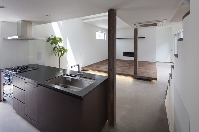 Japanese style minimalist houses japanese style for Minimalist japanese homes