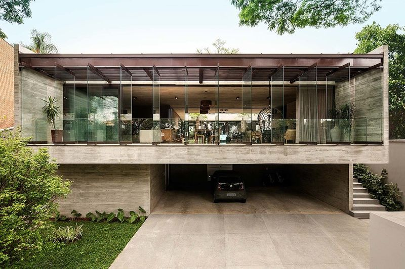 U-Shaped Contemporary Homes : jardins house