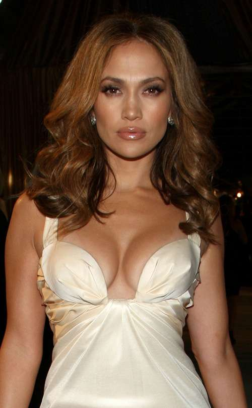 Jennifer Lopez Cleavage Nude Photos 1