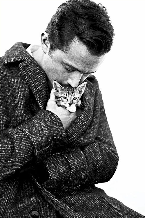Kitten-Cuddling Celeb Photography