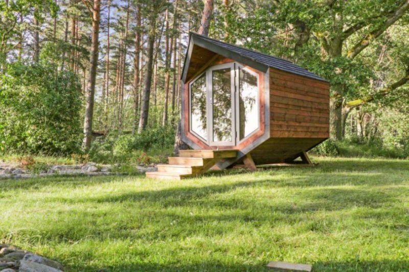 Mini Eco-Conscious Cabins