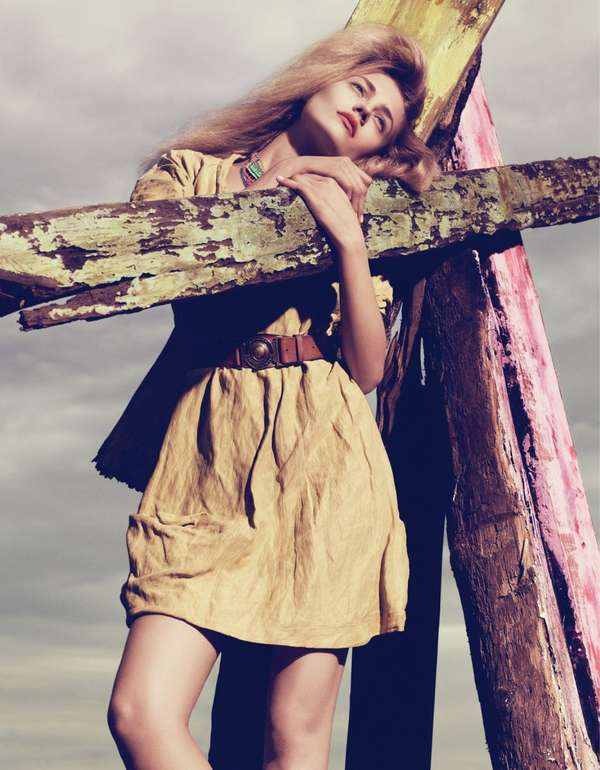 Driftwood-Hugging Fashiontography