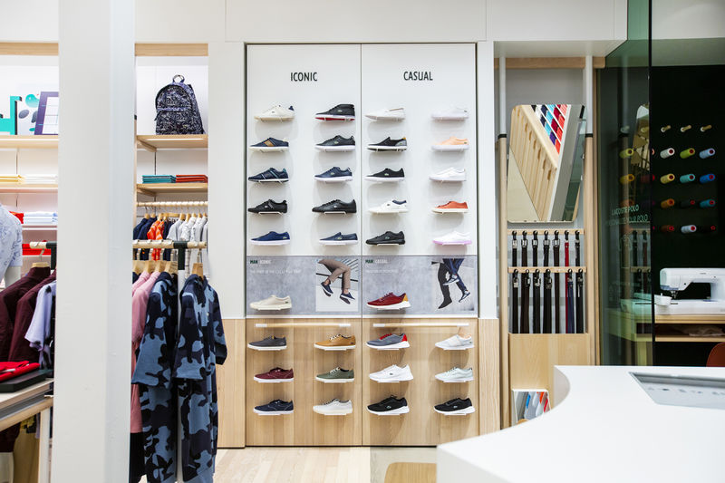 size 40 664b5 8917b Celebratory Store Openings : Lacoste Concept Store