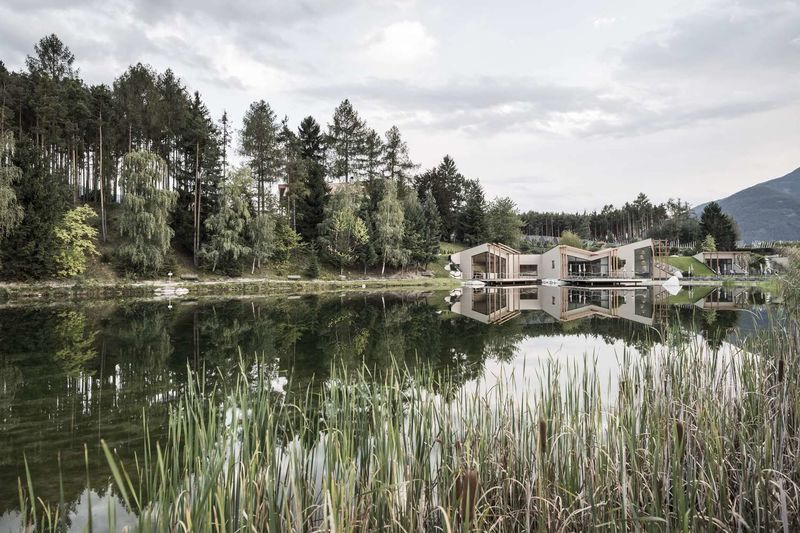 Nature-Celebrating Lakeside Hotels