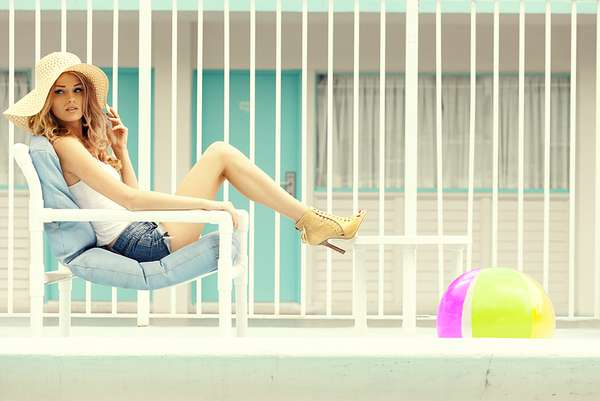 Retro Poolside Pictorials